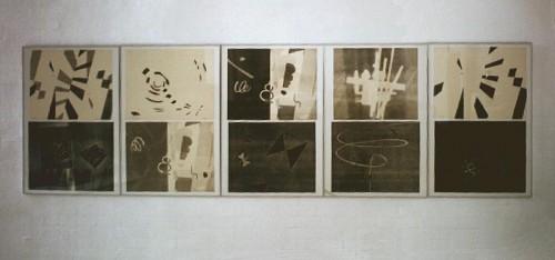 Fotograf: Rene AndersenVærk  titel: Mosaik, 10 monolitografier Værk  type: Grafik Materiale: Monotypi på papir Størrelse: 90x300 cm Færdiggjort: 1970